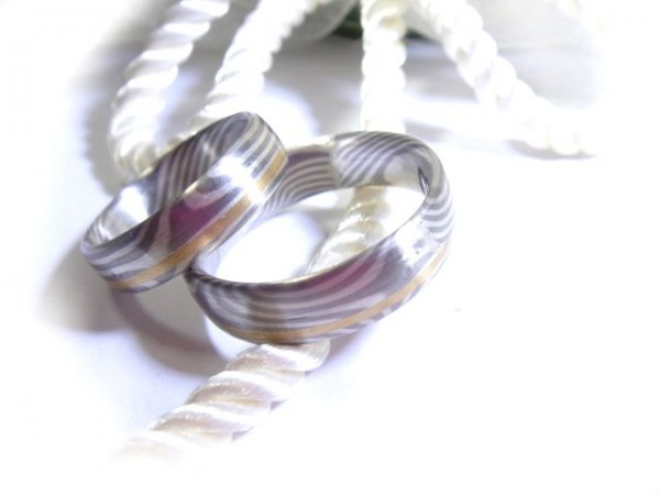 Mokume Gane - Silber Palladium mit schmalen Goldband, immer individuelle Anfertigung