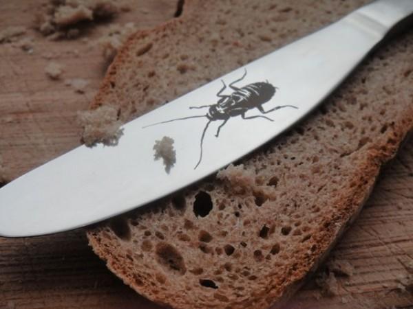 Schabe und Brotzeit , lustiges Messer von Gutelauneschmuck.de