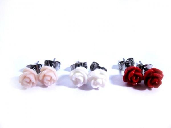 OS-32007 Röschen Ohrstecker imit Rosenmotiv rot weiß rose und edelstahl von gutelauneschmuck.de
