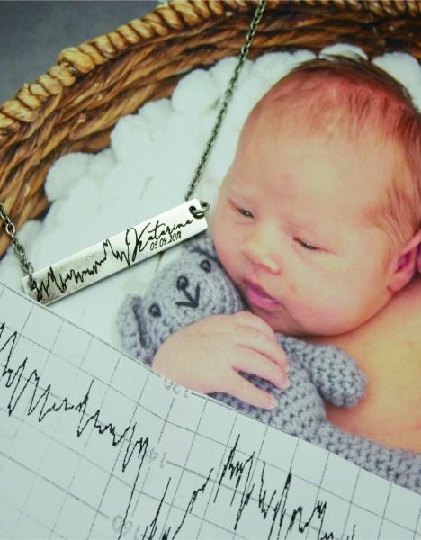 Babys CTG Herzschlag, rechteckiger Anhänger mit Kette