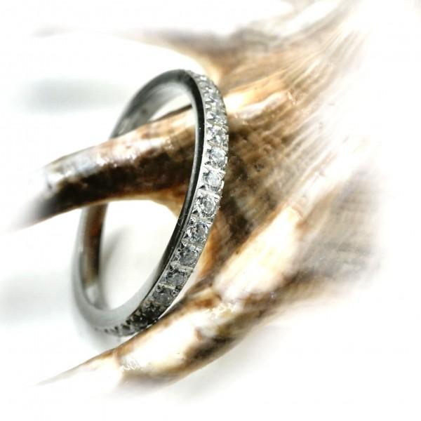 Eternity Ring, Edelstahl mit Zirkonia, 2mmT-2001 von Gutelauneschmuck.de